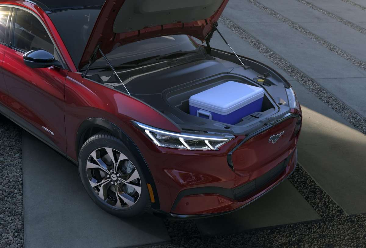 Первый электрокроссовер Ford: дизайн как у Mustang и 480 км запаса хода