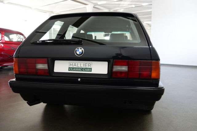 Универсал BMW 3 E30 довели до совершенства за 40 тыс. евро