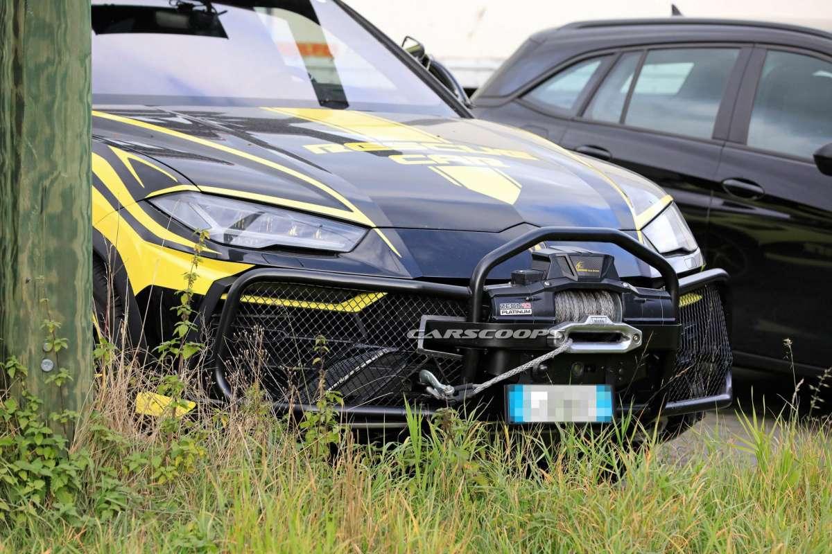Lamborghini Urus подготовили к экстремальным условиям