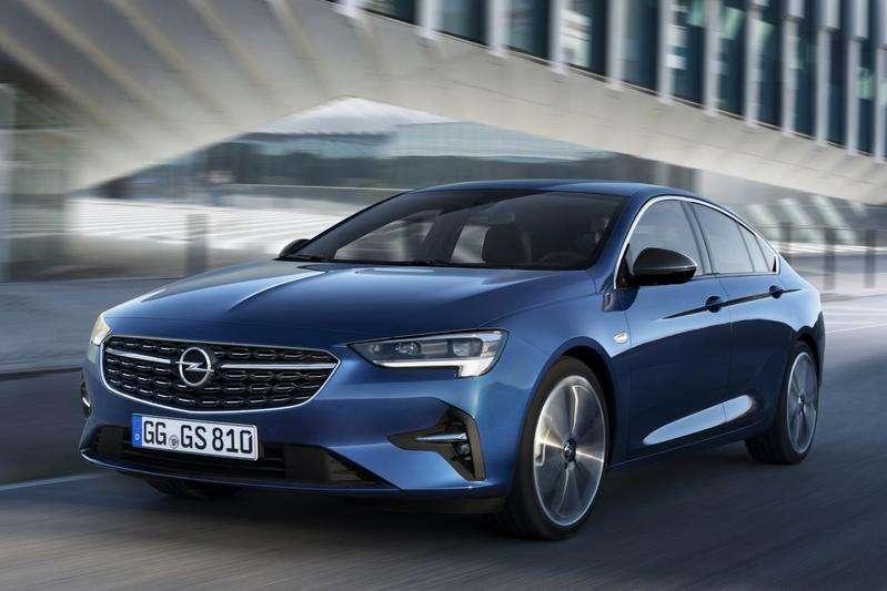 Opel Insignia 2020: свежее лицо и новые опции