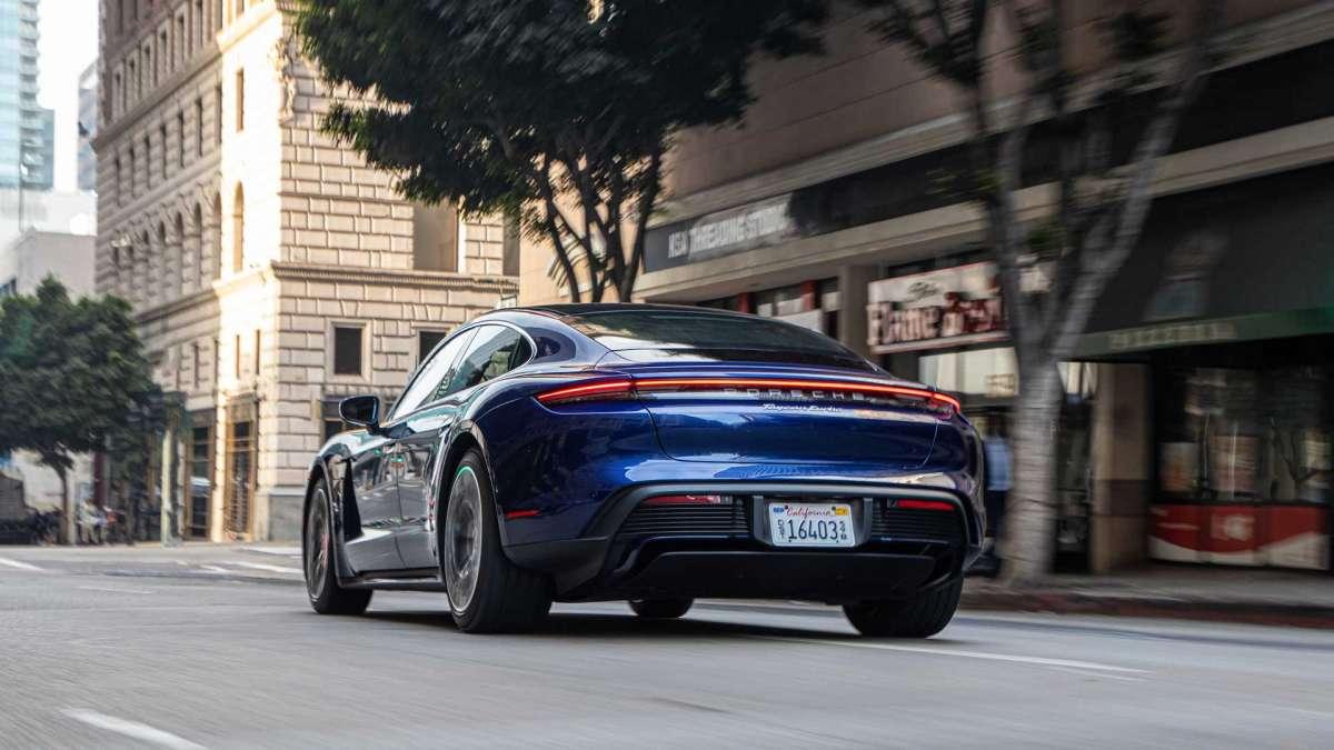 Первый электромобиль Porsche удивил запасом хода в реальных условиях