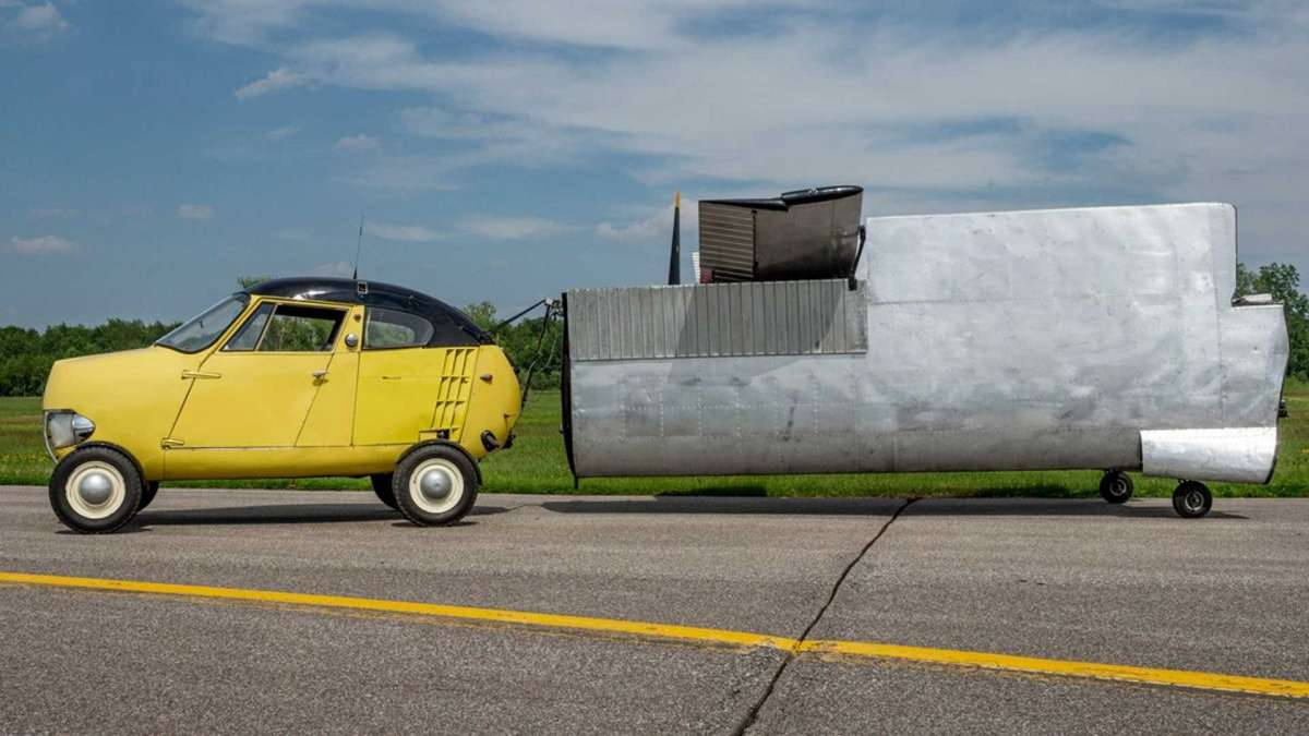 Уникальный 65-летний летающий авто продадут с аукциона