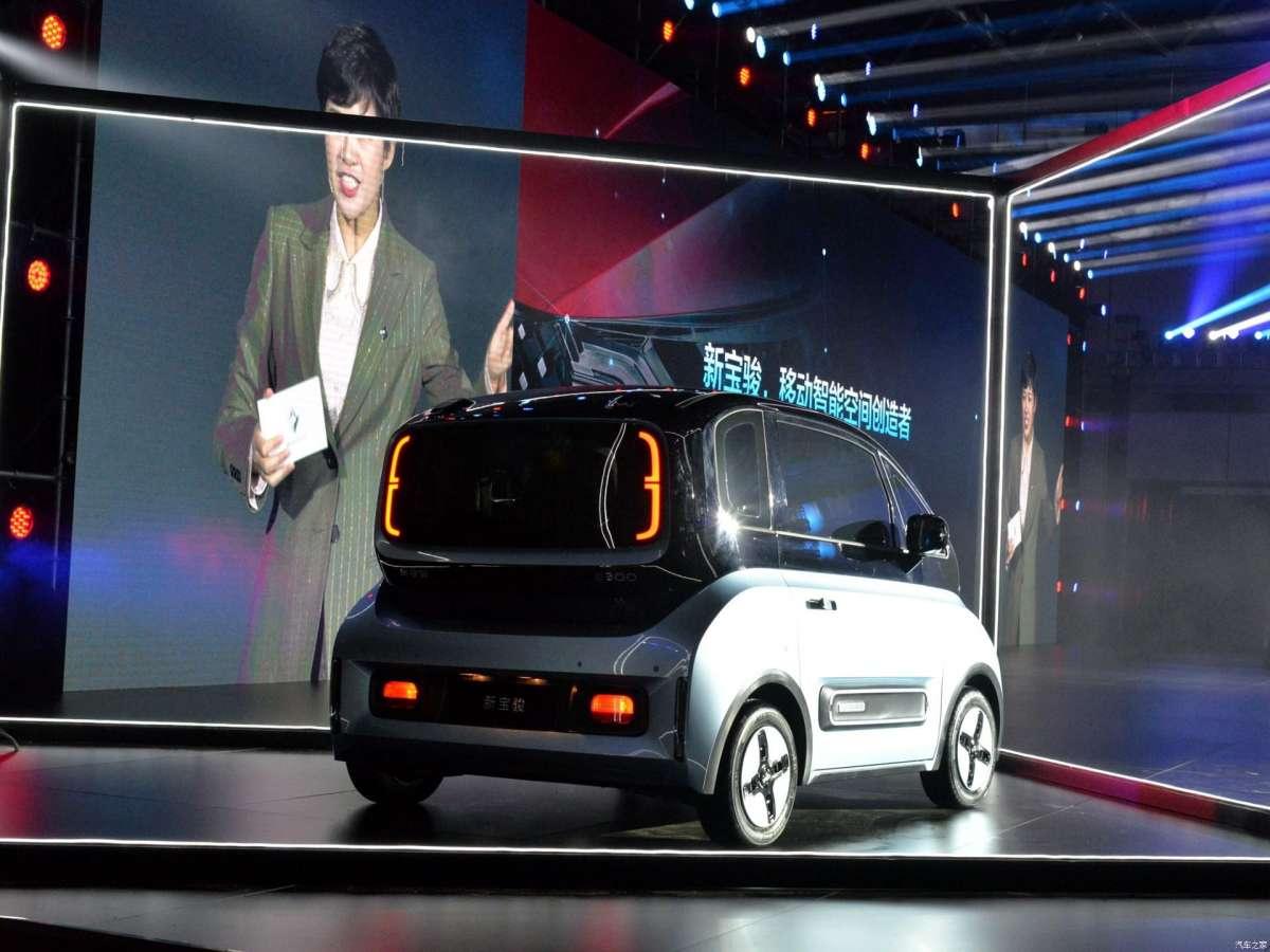 General Motors показали электрического конкурента Smart по цене Логана
