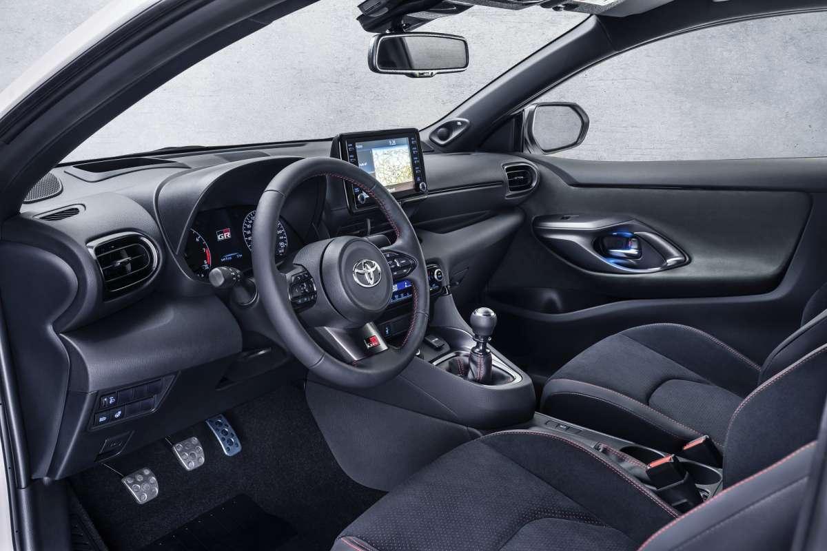 Заряженная Toyota GR Yaris удивила дизайном и характеристиками